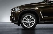 Wheel front with winter tyre Michelin Latitude Alpin LA2  ZP  255/50R19 107V XL